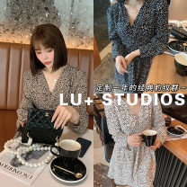 Dress Spring 2021 Black leopard, white leopard, coffee leopard M,L,XL longuette Long sleeves V-neck Leopard Print 25-29 years old L201401002