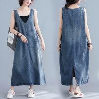 Women's large Summer 2021 blue Dress singleton  commute easy moderate Socket Sleeveless Solid color literature V-neck Denim Make old H1230 Medium length