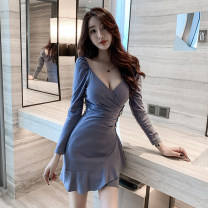 Dress Winter 2020 Blue, black S,M,L,XL Short skirt singleton  Long sleeves commute V-neck High waist Solid color Socket Irregular skirt routine Others 18-24 years old T-type Korean version Ruffles, folds, buttons 91% (inclusive) - 95% (inclusive) knitting cotton