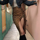 skirt Winter 2020 S,M,L brown Middle-skirt street High waist skirt Leopard Print Type H 18-24 years old OMMKD00611 31% (inclusive) - 50% (inclusive) other polyester fiber Europe and America
