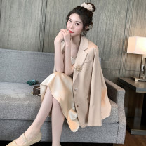 suit Spring 2020 Naked coat, champagne dress S,M,L Long sleeves routine Straight cylinder tailored collar Single breasted commute routine Solid color MW201026 31% (inclusive) - 50% (inclusive) Dreamers Pocket, button