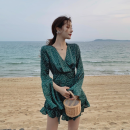 Casual pants green S,M,L Summer 2021 shorts Jumpsuit High waist commute Thin money 25-29 years old 51% (inclusive) - 70% (inclusive) Other / other other Retro Lotus leaf edge polyester fiber