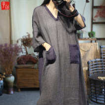 Dress Spring 2021 Grey, purple Average size longuette singleton  elbow sleeve commute V-neck Loose waist Solid color Socket other routine Others Type A literature Embroidery, pocket, make old B16 More than 95% hemp