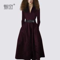 Dress Autumn 2020 claret S M L XL XXL Mid length dress singleton  Long sleeves street V-neck middle-waisted Solid color Socket A-line skirt routine Others 30-34 years old My bun MQ00677U More than 95% polyester fiber Polyester 100% Europe and America