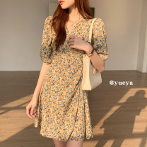 Dress Summer 2021 Yellow oil painting, red oil painting, white daisy, pink daisy S,M,L,XL,2XL Mid length dress singleton  Short sleeve commute V-neck High waist Broken flowers A-line skirt 18-24 years old Type A 51% (inclusive) - 70% (inclusive) other