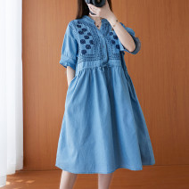 Women's large Summer 2021 wathet Big size average Dress singleton  commute easy moderate Cardigan Short sleeve Solid color Simplicity V-neck Medium length Denim routine DB 18-24 years old Embroidery Medium length Three buttons