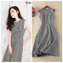 Dress Winter 2017 grey S,M,L,XL Mid length dress singleton  Sleeveless commute Crew neck middle-waisted lattice zipper A-line skirt routine Others 25-29 years old Type H lady Chain, pocket 51% (inclusive) - 70% (inclusive) Wool cotton