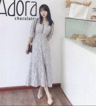 Dress Spring 2021 White, Tan 36, 38