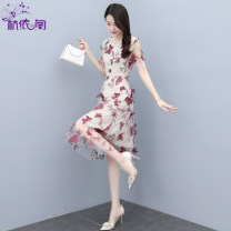 Dress Summer 2021 Beige M L XL XXL Mid length dress singleton  Short sleeve commute Crew neck High waist Solid color Socket A-line skirt routine Others 25-29 years old Hangyi Pavilion lady Three dimensional decorative mesh zipper with embroidered stitching More than 95% polyester fiber Polyester 100%