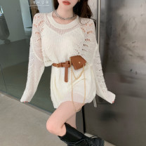 Fashion suit Spring 2021 Average size Base suspender skirt white, base suspender skirt black, waistband, black sweater, white sweater 18-25 years old 31% (inclusive) - 50% (inclusive)