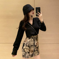 skirt Autumn 2020 S. M, l, average size Black V-neck shirt, cat skirt Short skirt commute High waist skirt Animal design Type A 18-24 years old 30% and below other other printing Korean version