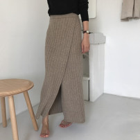skirt Winter 2020 Average size Black, khaki Mid length dress commute High waist Solid color Type H 18-24 years old 71% (inclusive) - 80% (inclusive) Korean version