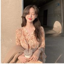 Dress Spring 2021 Picture color S,M,L,XL Short skirt singleton  Long sleeves commute V-neck High waist Broken flowers other other other Others 18-24 years old Korean version 71% (inclusive) - 80% (inclusive) other