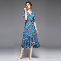 Dress Summer 2020 Design and color (colorful flowers in full bloom) M (belt), l (belt), XL (belt), XXL (belt) longuette singleton  Short sleeve commute V-neck middle-waisted Decor zipper puff sleeve Others 25-29 years old Type X Other / other zipper 31% (inclusive) - 50% (inclusive) Denim cotton