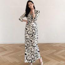 Dress Spring 2021 3093 picture color S,M,L,XL,2XL longuette singleton  three quarter sleeve commute V-neck High waist Decor Type X Korean version