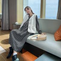 Dress happymaman Black dress, white vest M. L, XL, one size fits all Korean version Long sleeves Medium length winter