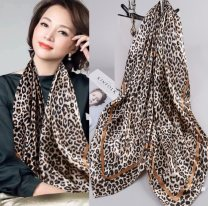 Scarf / silk scarf / Shawl Imitation silk 01,02,03,04 Spring and autumn, summer, winter female Scarves / scarves Oil Painting Large square towel Students, children: 7-14 years old, parent-child, couple, youth, youth, middle age, old age Plants and flowers printing 90cm 90cm