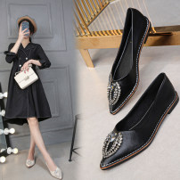 Low top shoes 32,33,34,35,36,37,38,39,40,41,42,43 Black, apricot Sharp point Superfine fiber Flat bottom Low heel (1-3cm) Shallow mouth PU Spring 2020 Trochanter leisure time Adhesive shoes Youth (18-40 years old), middle age (40-60 years old) Solid color rubber Single shoes PU daily Face dressing