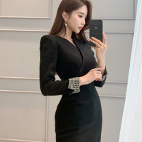 Dress Spring 2020 black S,M,L,XL Mid length dress singleton  Long sleeves commute V-neck High waist Solid color zipper One pace skirt routine Others 25-29 years old Type H Ol style zipper 71% (inclusive) - 80% (inclusive) brocade nylon