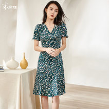 Dress Summer 2021 Dark green / pre sold to May 1 S M L XL XXL Mid length dress singleton  Short sleeve commute V-neck middle-waisted Broken flowers other Big swing puff sleeve Others 35-39 years old Type A Mi Siyang lady printing 1M21BL1400 More than 95% other other Other 100%