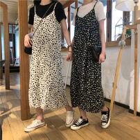 Dress Summer 2021 Black Halter skirt, black T-shirt S,M,L,XL longuette singleton  Sleeveless commute V-neck High waist Broken flowers other routine 18-24 years old Type A Korean version 4¥1 81% (inclusive) - 90% (inclusive) polyester fiber