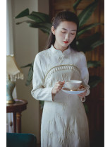 cheongsam Autumn 2020 S,M,L Phnom Penh milk white, pre-sale 12 working days of Phnom Penh milk white Long sleeves long cheongsam Retro Low slit daily Oblique lapel Solid color 25-35 years old Piping Nanfeng Valley Cellulose acetate 96% and above