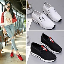 Low top shoes 35 36 37 38 39 40 Other / other Black B red B white red black Round head Internal elevation Mesh Deep mouth Middle heel (3-5cm) cloth Spring of 2018 Trochanter leisure time Adhesive shoes Youth (18-40 years old) Solid color polyurethane Lazy shoes Slope Heel Platform cloth daily