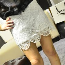 skirt Spring of 2018 Average size White, black Short skirt commute High waist skirt Broken flowers 18-24 years old 71% (inclusive) - 80% (inclusive) Lace cotton Korean version