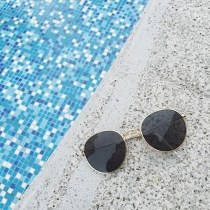 Sun glasses Gold frame and black grey chip Round face long face square face oval face currency circular resin Less than 100 yuan MELIYA Mirror cloth and mirror box Eleven