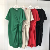 Dress Summer of 2018 Red, green, black, off white Average size longuette singleton  Short sleeve commute Crew neck Loose waist Solid color Socket One pace skirt routine Others T-type Korean version Villa owner's Pleated Dress More than 95% other cotton