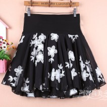 skirt Winter of 2019 M11 is for a waist of 1'9 to 2'1, L13 is for a waist of 2'2 to 2'4, XL15 is for a waist of 2'4 to 2'6 black Short skirt commute High waist Fluffy skirt Broken flowers Type A 91% (inclusive) - 95% (inclusive) Chiffon other Korean version