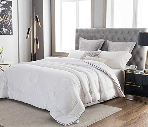 """Chilled Eucalyptus Comforter Pine & River -Like a Cloud   Silky Soft, Skin-Friendly, Alternative Down   One-Piece Air-Fluff – Won't Bunch   Hypoallergenic   (90""""x94"""" Queen/Full)"""