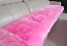 HUAHOO Faux Fur Sheepskin Rug Pink Kids Carpet Soft Faux Sheepskin Chair Cover Home Décor Accent for a Kid's Room,Childrens Bedroom, Nursery, Living Room or Bath. 2' x 3' Rectangle