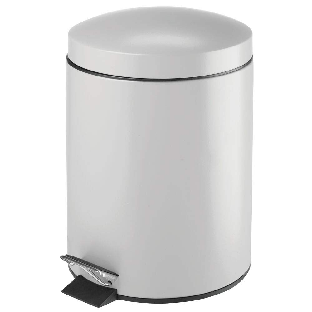 mDesign Modern 5 Liter Round Small Metal Step Trash Can Wastebasket, Garbage Container Bin - for Bathroom, Powder Room, Bedroom, Kitchen, Craft Room, Office - Removable Liner Bucket - Light Gray