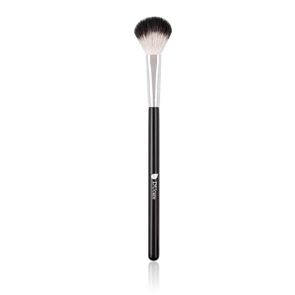 DUcare Highlighter Brush Makeup Brushes Fan Blending Eyeshadow Contouring Blush Brush Natural Goat Hair Cosmetic Tool, 1Pcs Silvery&Black