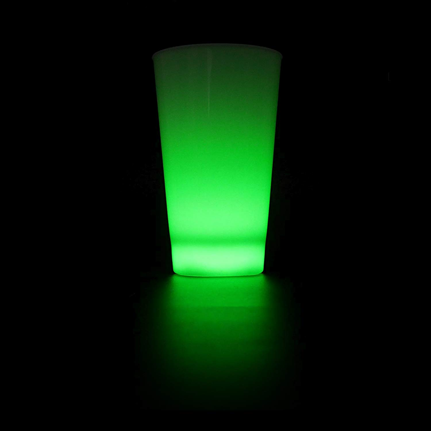 Fun Central 16 oz LED Cup - Light Up Drinking Glass Party Supplies for St. Patrick's Day, Events & Parties - Green