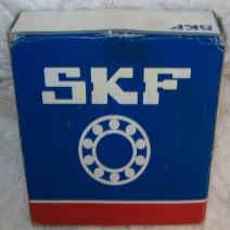 "SKF FYT 2. FM Ball Bearing Flange Unit, 2 Bolts, Eccentric Collar, Regreasable, Contact Seal, Cast Iron, Inch, 2"" Bore, 5-1/8"" Bolt Hole Spacing Width"