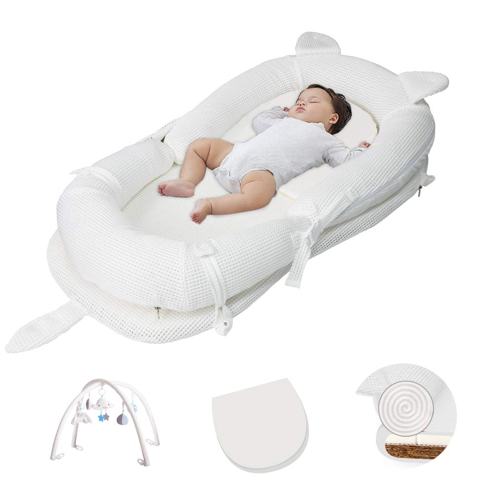 MOOB Baby Nest Breathable Lounger White, Protect Baby's Spine Portable Crib Uterine Bionic Bed for Bedroom Newborn Lounger Portable Super Soft and Breathable Baby Nest with Game Bracket …