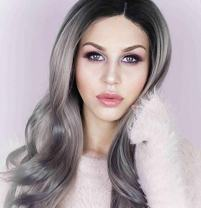 UniWigs New Arrival Heat Friendly Synthetic Fiber Lace Front Wig, Peach Silver Color Wigs, Long Wavy Wig for Fashion Women
