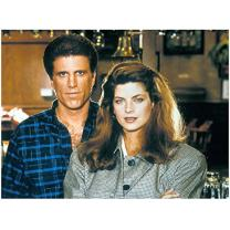 Cheers Ted Danson as Sam Malone with Kirstie Alley as Rebecca Howe 8 x 10 inch photo