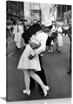 Black & White VJ Day New York Canvas Wall Art Picture Print (30x20in)
