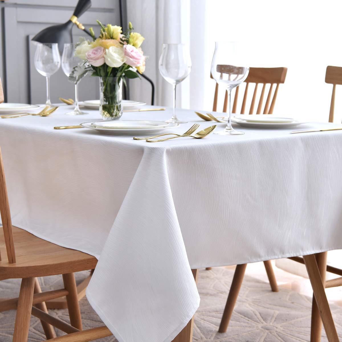 maxmill Jacquard Tablecloth Swirl Design Water Resistance Antiwrinkle Oil Proof Heavy Weight Soft Table Cloth for Buffet Banquet Parties Event Holiday Dinner Square 52 x 52 Inch White