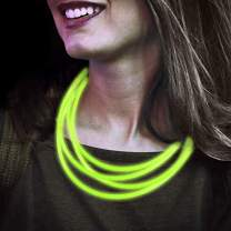 Lumistick 22 Inch Glow Stick Necklaces | Non-Toxic & Kids Safe Light Up Neckwear | Bendable Sticks with Connectors | Glows in The Dark Night Party Favor (Green, 600 Necklaces)
