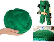 Arm Knitting Yarn Chunky Wool Yarn Bulky Wool Yarn Giant Knit Yarn Extreme Knitting (0.55lbs/250g, Grass Green)