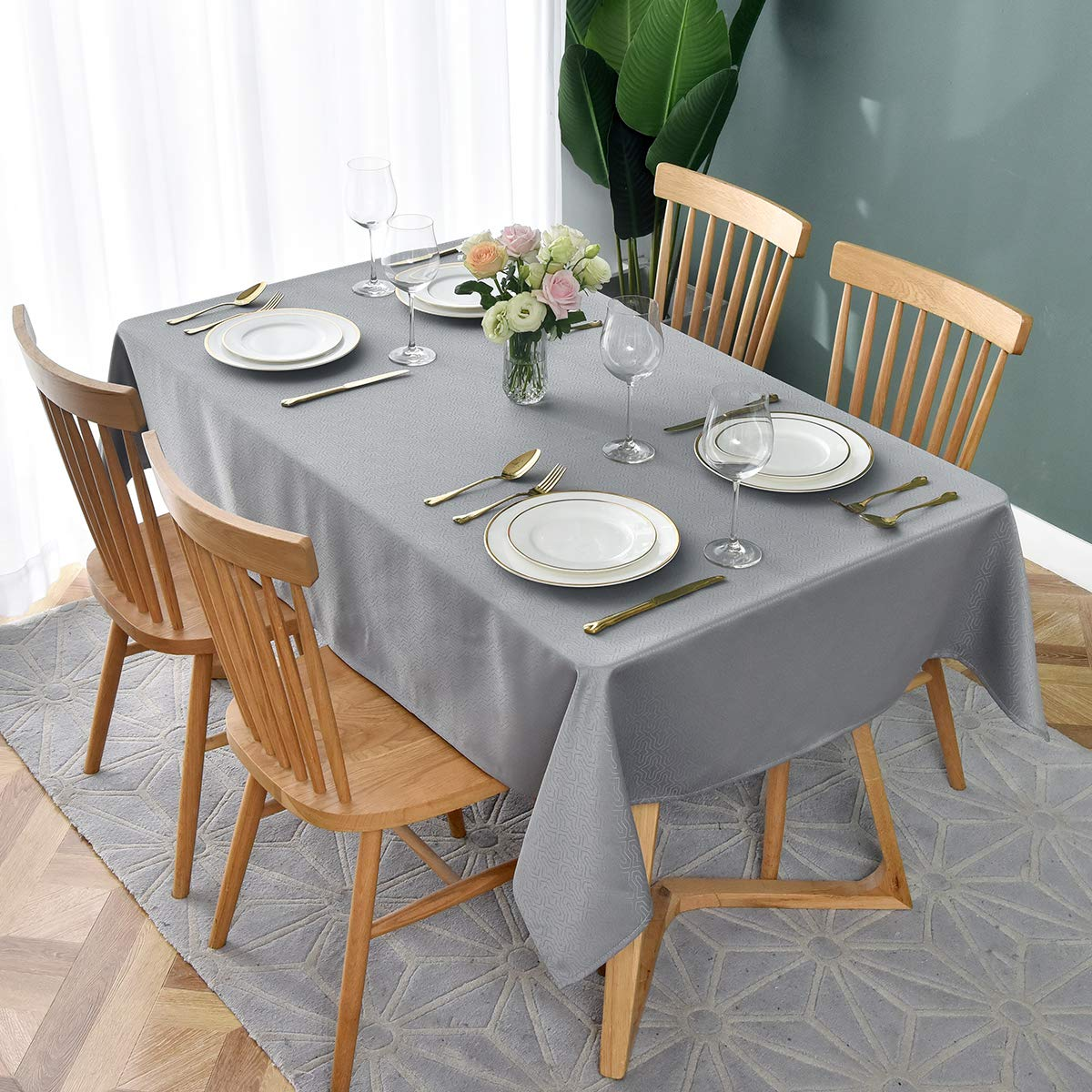 maxmill Jacquard Tablecloth Geometric Design Water Resistance Antiwrinkle Oil Proof Heavy Weight Soft Table Cloth for Buffet Banquet Parties Event Holiday Dinner Rectangle 60 x 84 Inch Silver Grey