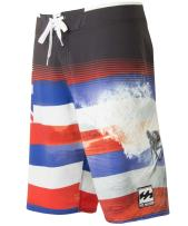 Billabong Men's Pipe Masters Boardshort