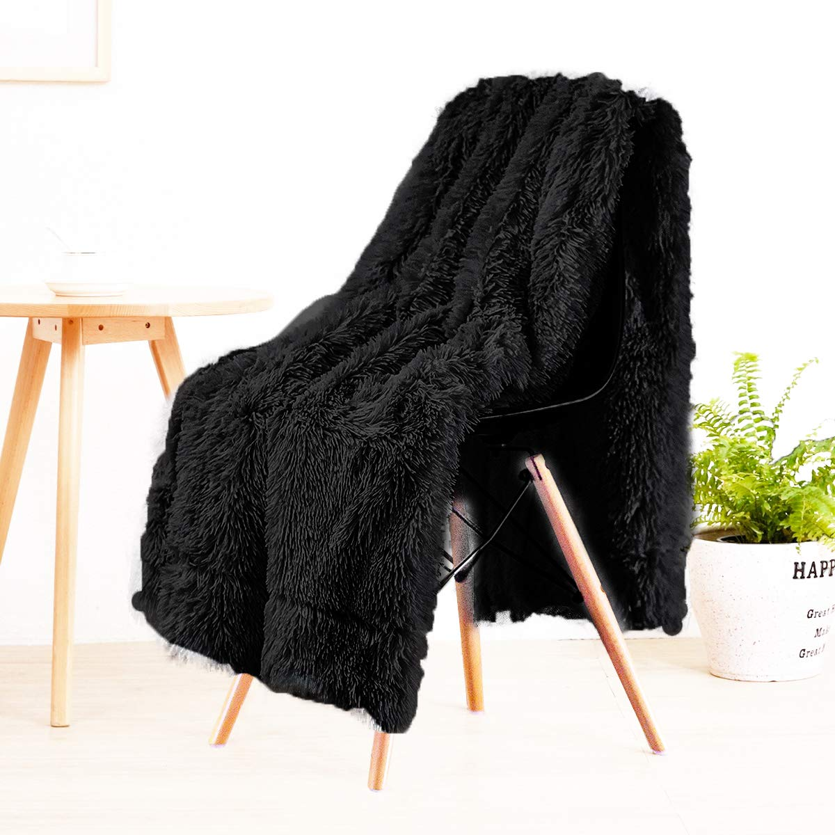 """LOCHAS Super Soft Shaggy Faux Fur Blanket, Plush Fuzzy Bed Throw Decorative Washable Cozy Sherpa Fluffy Blankets for Couch Chair Sofa (Black 50"""" x 60"""")"""