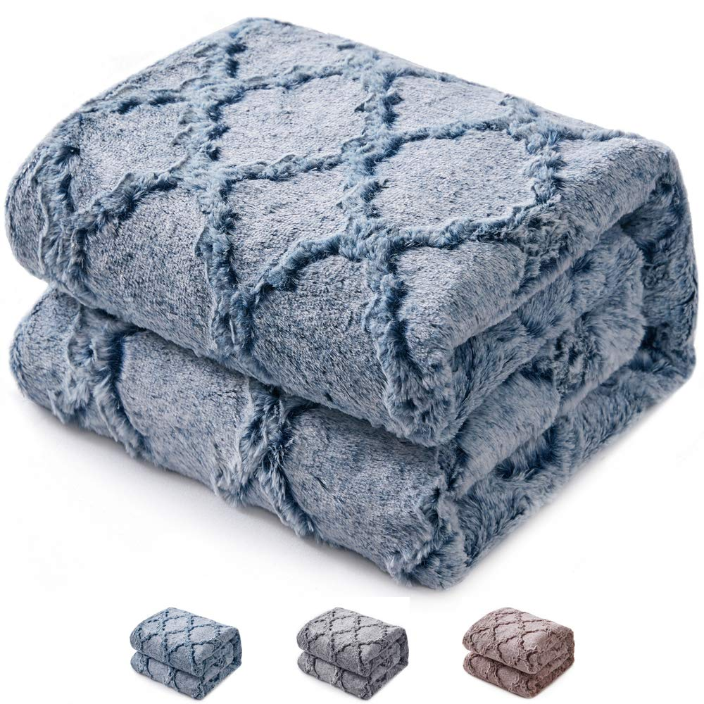 KAWAHOME Quatrefoil Pattern Faux Fur Blanket Super Soft Cozy Warm Fluffy Plush Blanket for Couch Sofa Bed Twin Size 66 X 90 Inches Blue