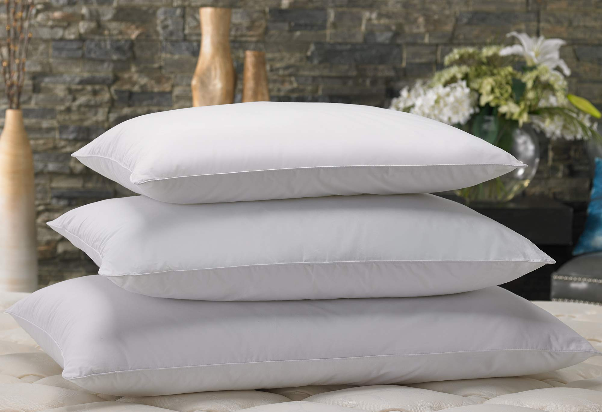 """Marriott Down Alternative Eco Pillow - Hypoallergenic Eco-Friendly Pillow with 100% Recycled Fill - Set of 2 - Standard (20"""" x 26"""")"""