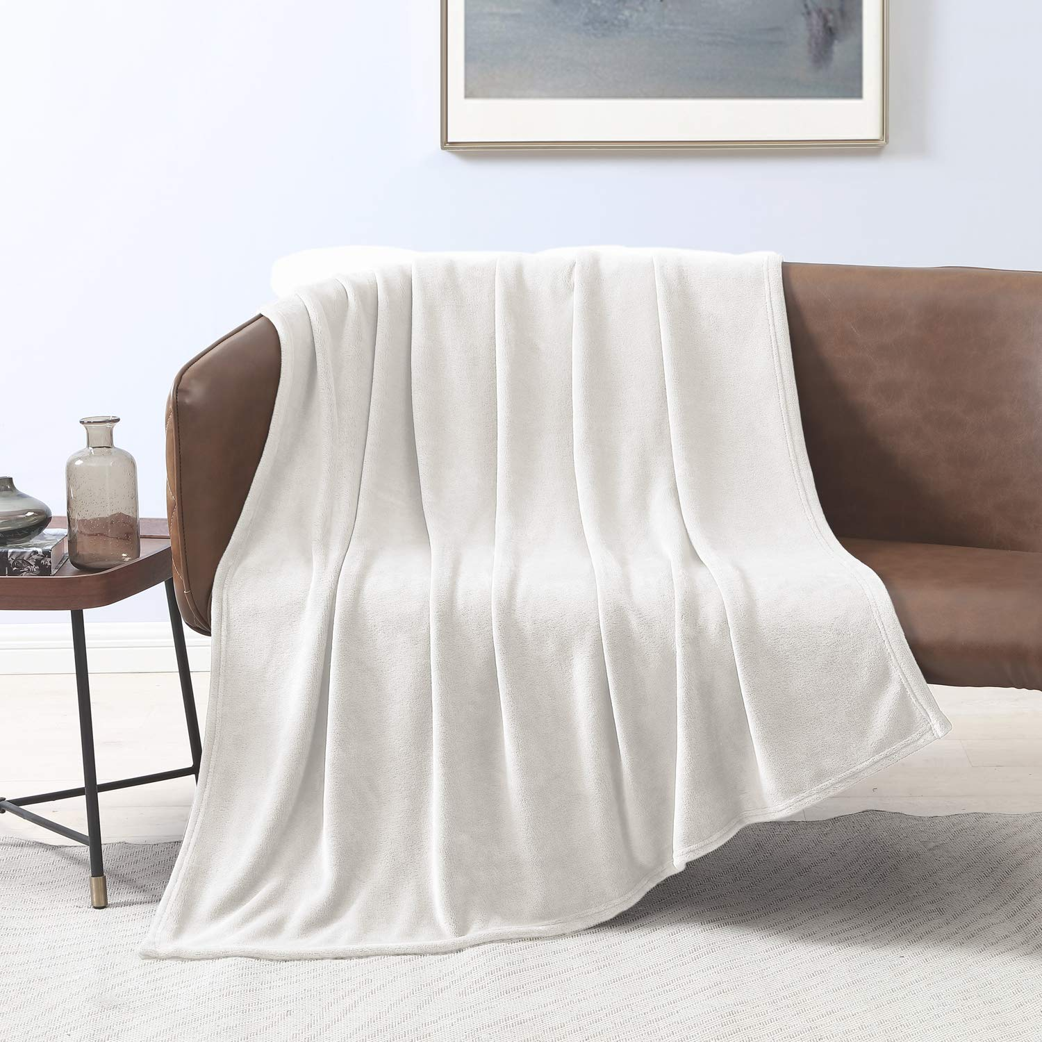 Love's cabin Flannel Fleece Blanket Twin Size White Throw Blanket for Couch, Extra Soft Double Side Fuzzy & Plush Fall Blanket, Fluffy Cozy Blanket for Adults Kids or Pet (Lightweight,Non Shedding)